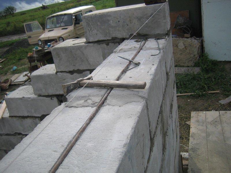 Как построить гараж из газоблока своими руками