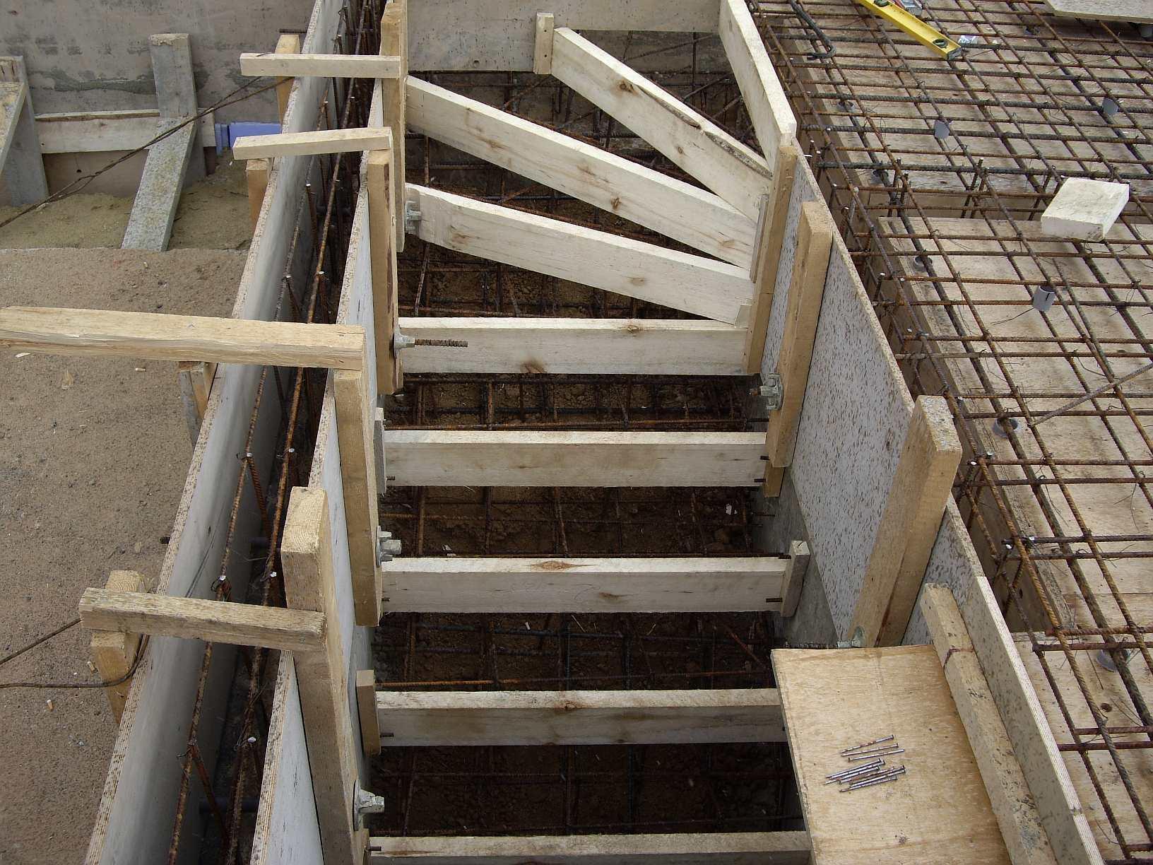 Как сделать опалубку бетонных лестниц 659