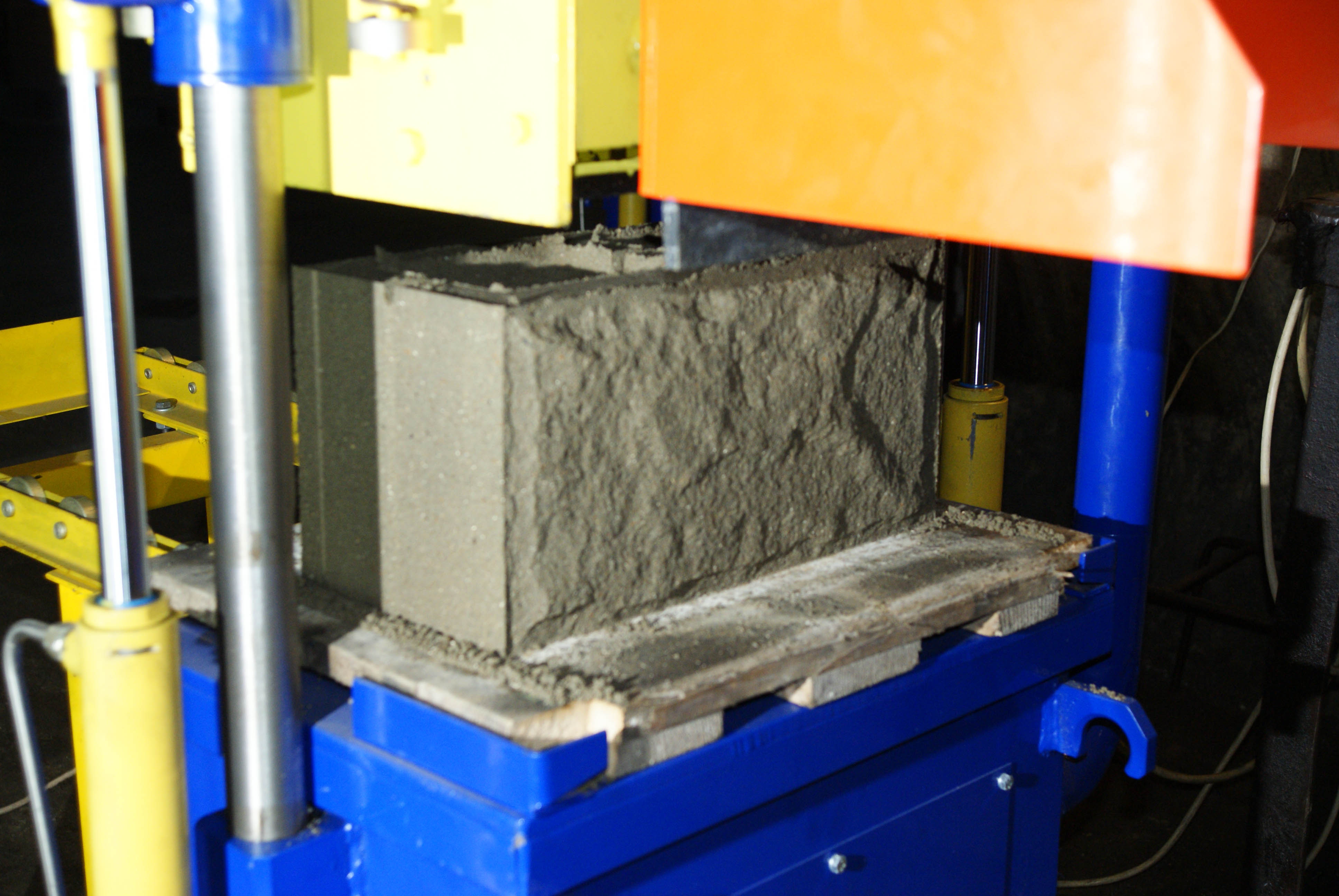 Оборудование для изготовления шлакоблок в домашних условиях