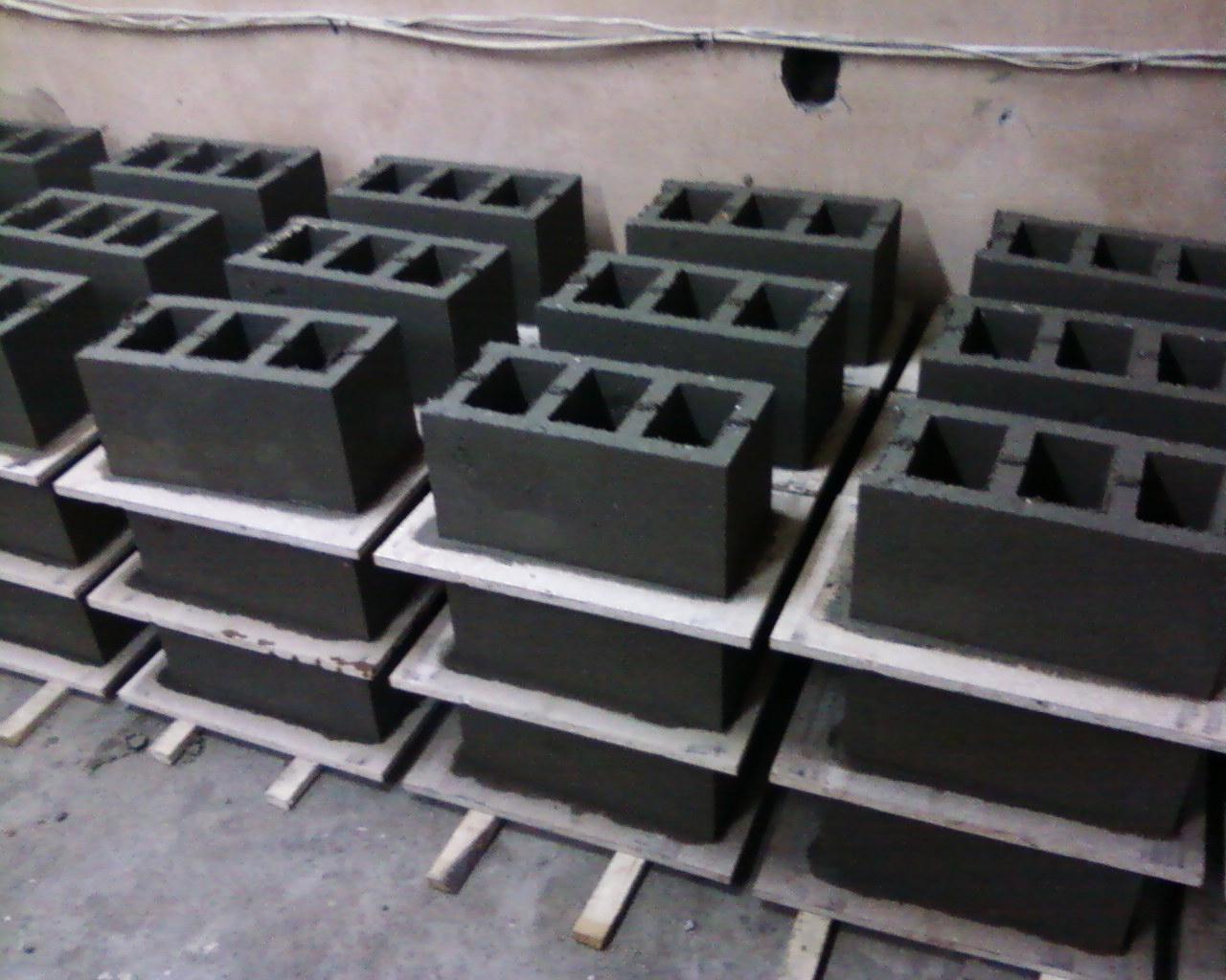Форма для керамзитобетонного блока